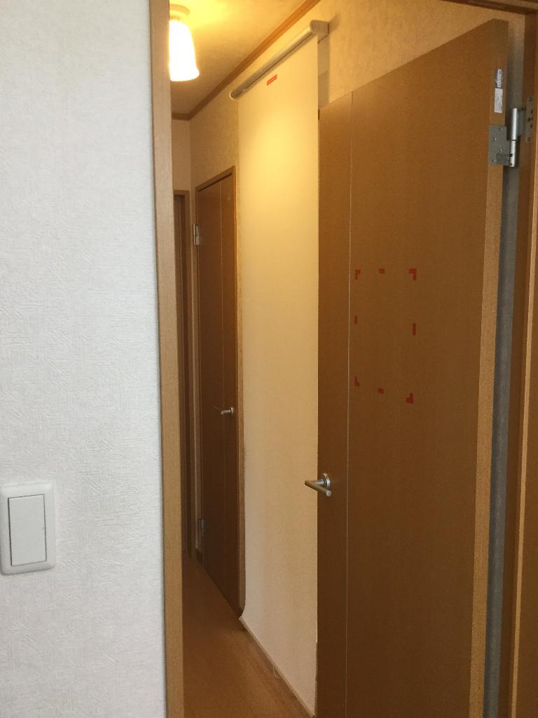 廊下の階段にロールカーテンをつけてみた【娘とテニス22日目】
