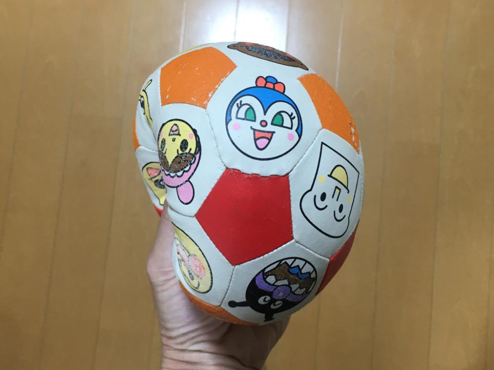 アンパンマンのおもちゃ3歳におすすめ【アンパンマンサッカーボール】